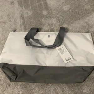 Lululemon Large Fundamental Tote